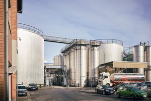 Oil storage tanks in an edible oil manufacturing company